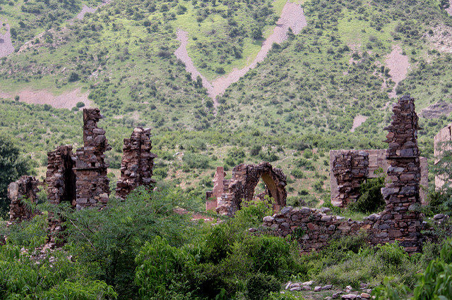 The neglected ruins.Author: Shahnawaz Sid CC BY 2.0