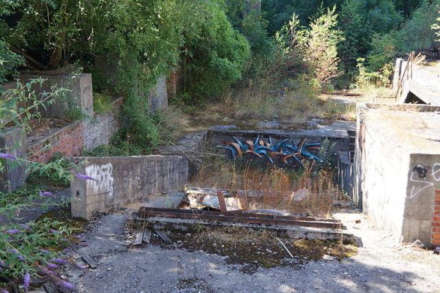The remains of shaft No. 2.Author:Bourgeois.ACC BY-SA 3.0
