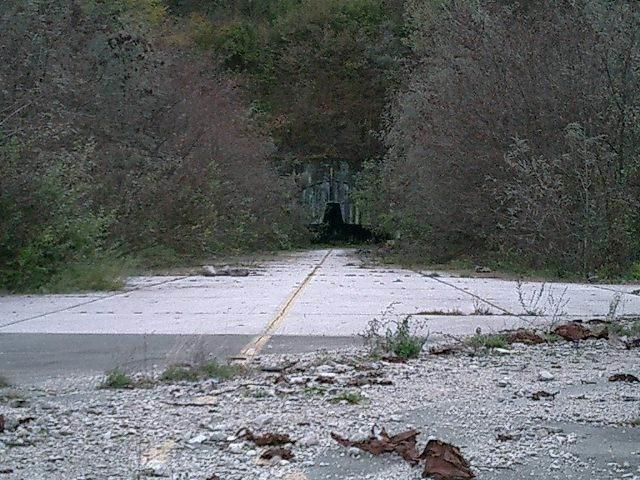 Main entrance of the Željava Air Base – Author: Zlatko – CC BY-SA 3.0