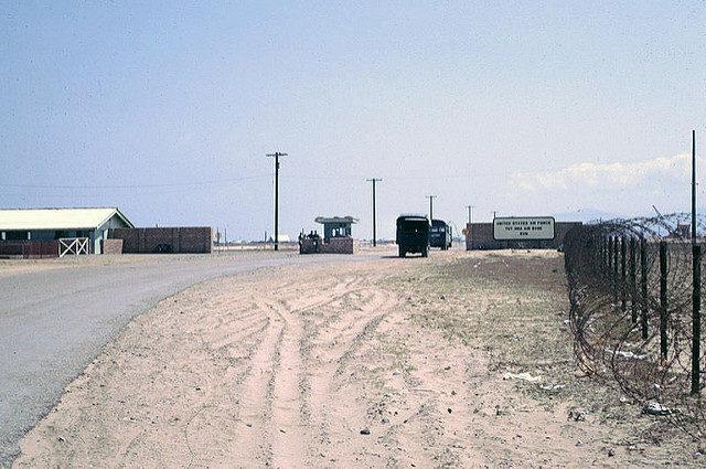 USAF Vietnam Tuy Hoa Air Base main gate – Author: manhhai – CC by 2.0