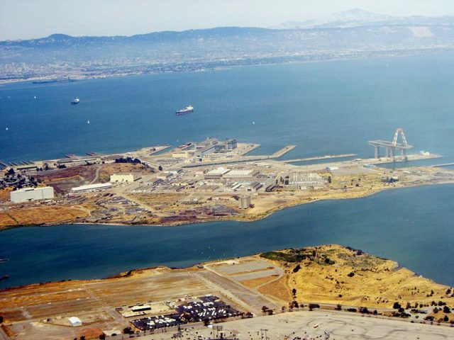 2006 aerial view. Author:Telstar LogisticsCC BY-SA 3.0