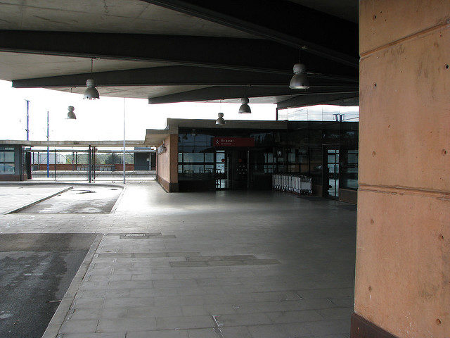 Entrance to the station – Author: José María Mateos – CC by 2.0