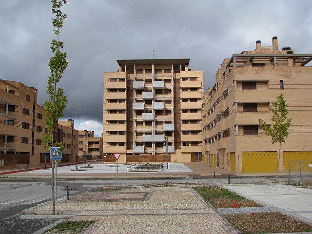 Empty buildings, empty streets – Author: José María Mateos – CC by 2.0