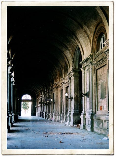 Station hallway – Author: .:elNico:. – CC by 2.0