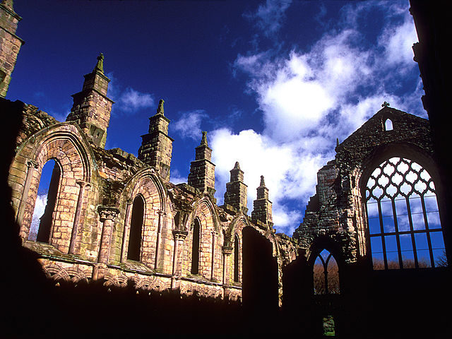 The ruins of Holyrood Abbey/ Author: LASZLO ILYES – CC BY 2.0