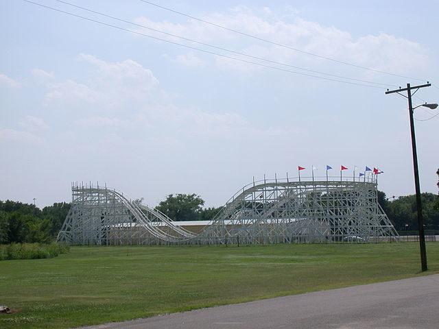 Joyland's wooden roller coaster (2003)/Author: Ppelleti – CC BY-SA 3.0