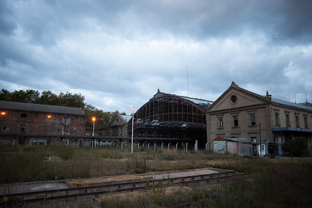 Cool concert venue, no doubt – Author: Jimmy Baikovicius – CC by 2.0