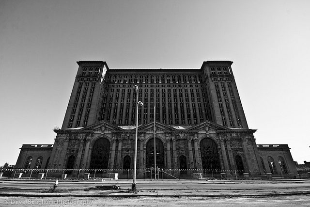 Michigan Central Station – Author: David Scaglione – CC by 2.0