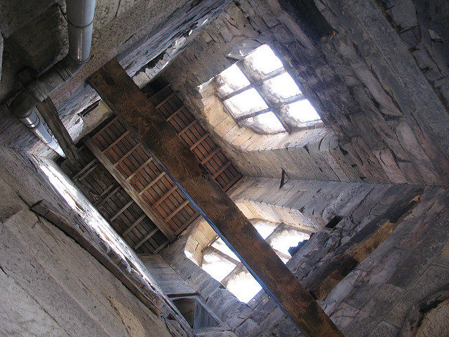 A look up the tower. Author: Scott CC BY-SA 2.0