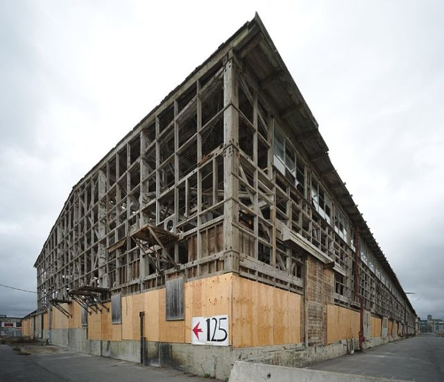 Abandoned building in October 2016.DlluCC BY-SA 4.0