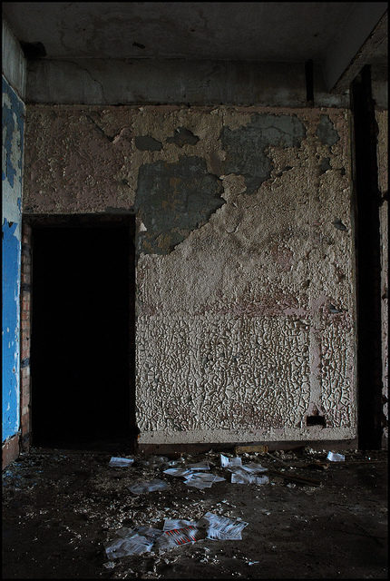Abandoned interior.Author:LulaTaHulaCC BY-ND 2.0