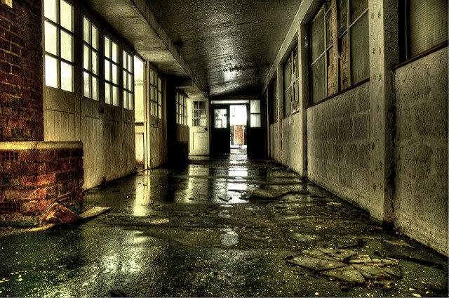 An empty corridor. Author:Jason RogersCC BY 2.0