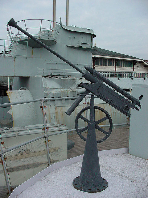 Anti-aircraft gun mounted on U-534. Author: NH53 CC BY 2.0