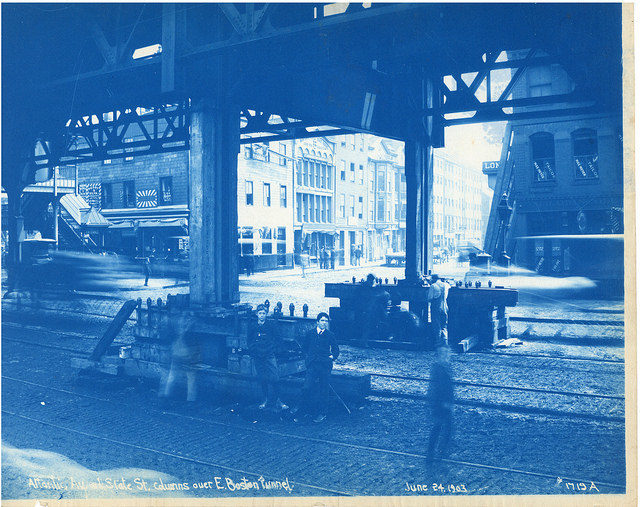 Archive photo of Atlantic Avenue and State Street columns over East Boston Tunnel. Author:City of Boston ArchivesCC BY-SA 2.0
