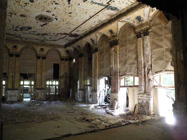 Decaying interior. Author: m.a.r.c. CC BY-SA 2.0