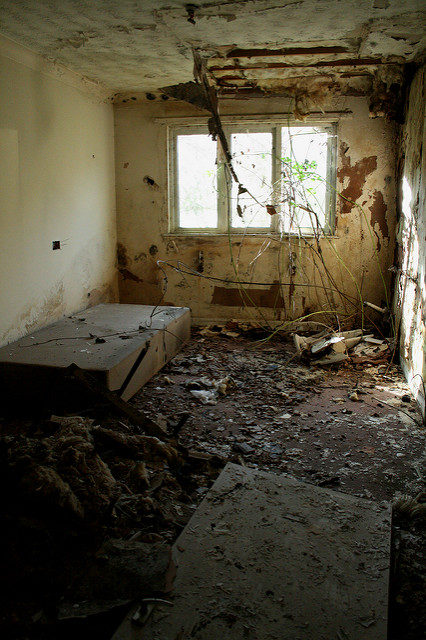 Former bedroom from the time when the residence served as a hospital. Author: Olga Pavlovsky. CC BY 2.0