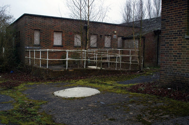 Harperbury Hospital exterior.Author:Skin – ubxCC BY 2.0