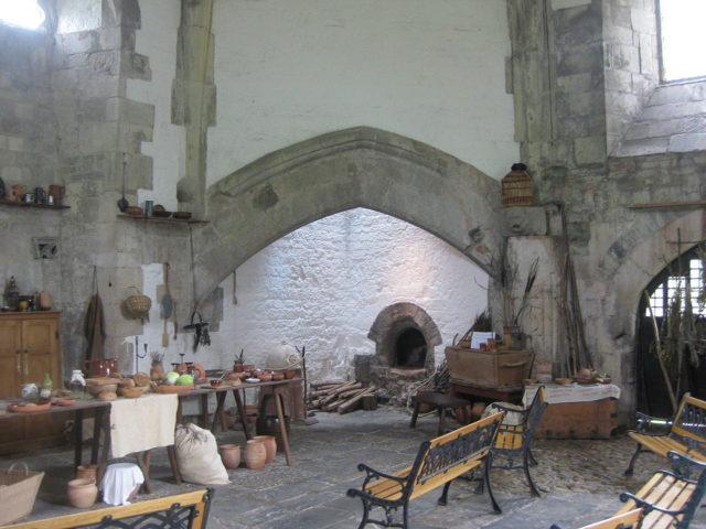 Interior of the Abbot's Kitchen. Author: NotFromUtrecht. CC BY-SA 3.0