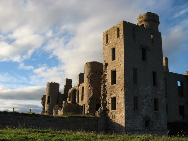It is believed that New Slains Castle was the inspiration for Bram Stalker's Dracula. Author: Ulrich Hartmann. CC BY-SA 2.0