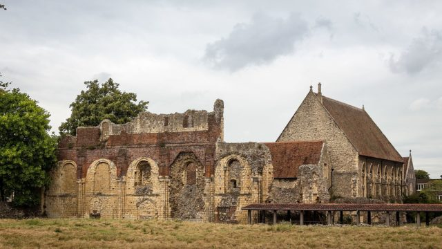 Like many other abbeys, it functioned until the Dissolution of the Monasteries. Author: Rafa Esteve. CC BY-SA 4.0