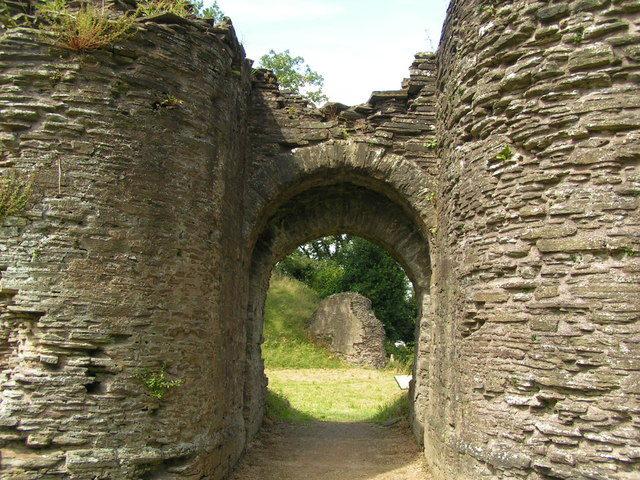 The gatehouse/ Author:andy dolman – CC BY-SA 2.0