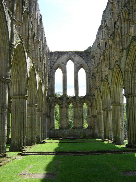 The ruins of Rievaulx Abbey. Author: martin dawes – CC BY-SA 2.0