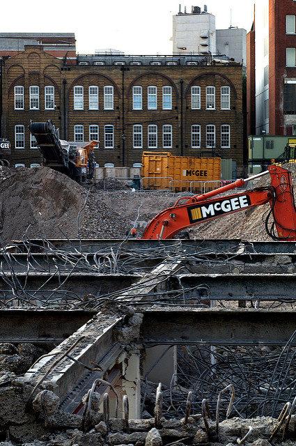 Middlesex Hospital demolition. Author:Matthew ByrneCC BY 2.0