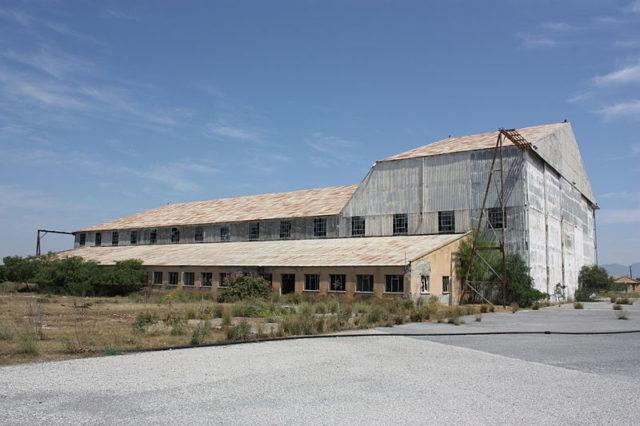NIC – hangar.Author:James HumphreysCC BY-SA 3.0