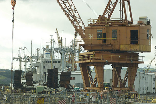 One of the cranes at MINSY. Author:jcookfisherCC BY 2.0