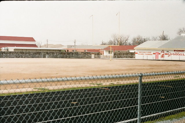 Picher-Cardin High School stadium, 2008/ Author: Tim Dowd – CC BY 3.0