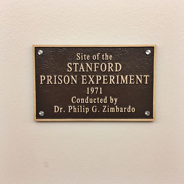 Plaque Dedicated to the Location of the Stanford Prison Experiment. Author:Eric. E. CastroCC BY 2.0