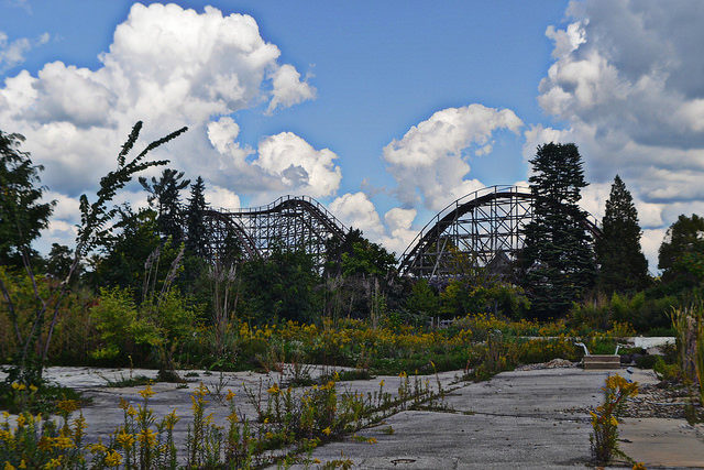 The abandoned Geauga Lake park. Author:MikeCC BY-ND 2.0