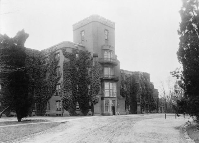 The Center Building at St. Elizabeths as it appeared in the early 20th Century. Author:National Photo Company