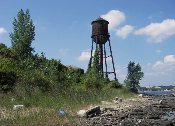 The iconic water tower closer shot.Author:PequotioCC BY-SA 2.0