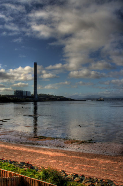 The Inverkip power station. Author: Graeme Maclean. CC BY 2.0