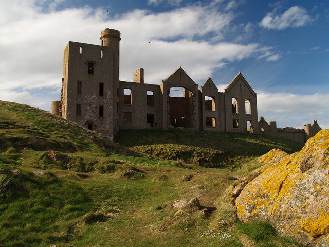 The ruins of the New Slains Castle. Author: Ian Watson. CC BY-SA 2.0