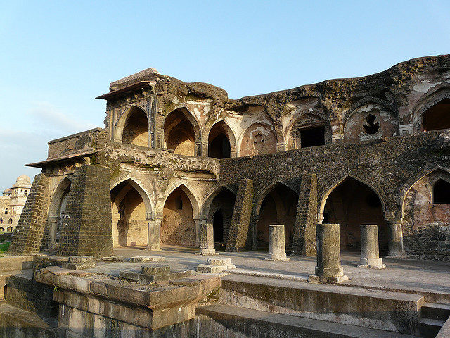 The terrace was inspired by the one on the Amer Palace. Author: Varun Shiv Kapur. CC BY 2.0