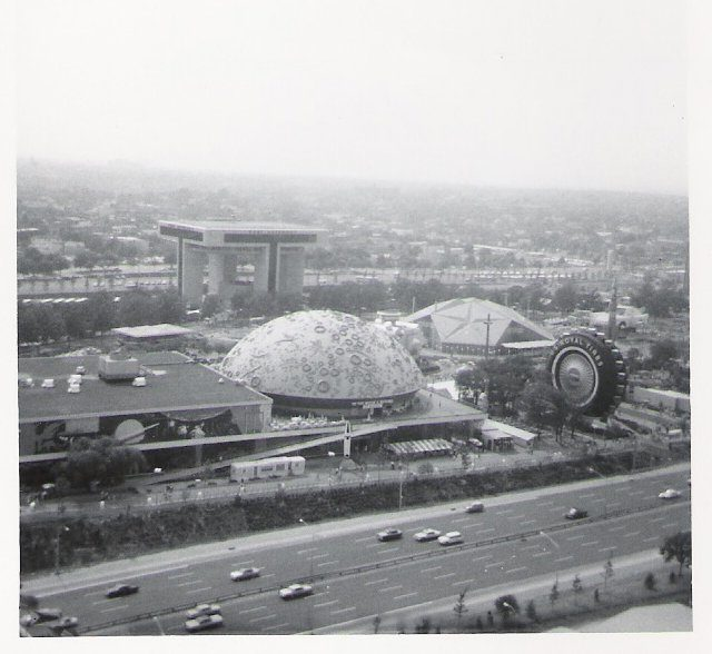Transportation and Travel Pavilion at 1964 New York World's Fair – Author: Doug Coldwell – CC BY-SA 3.0