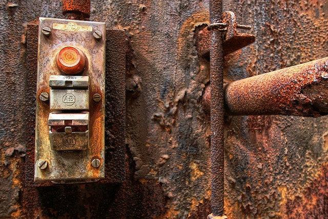 Power button – Author: Forsaken Fotos – CC by 2.0