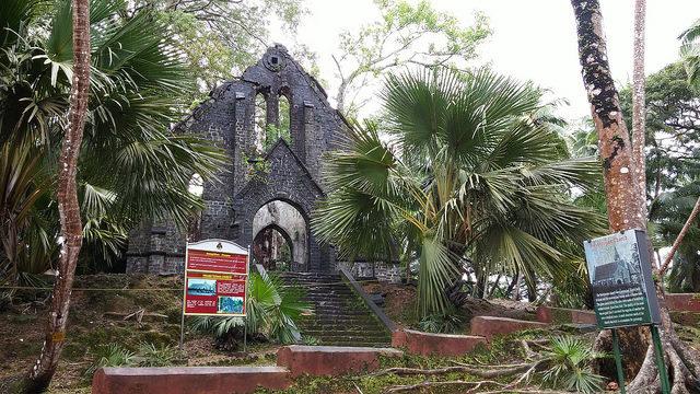 Church. Author: Ankur P – CC BY-SA 2.0
