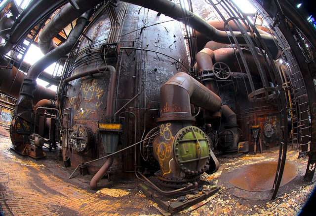 Stove deck – Carrie Furnaces, Rankin PA – Author: Roy Luck – CC by 2.0
