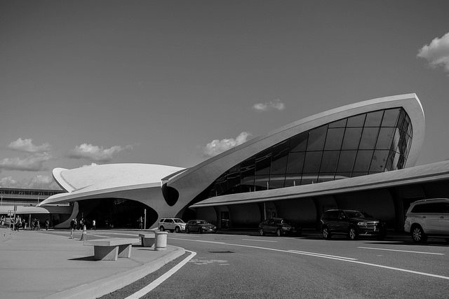 Open House for the historic TWA Flight Center at John F. Kennedy Int'l Airport – Author: Lucas Klappas – CC by 2.0