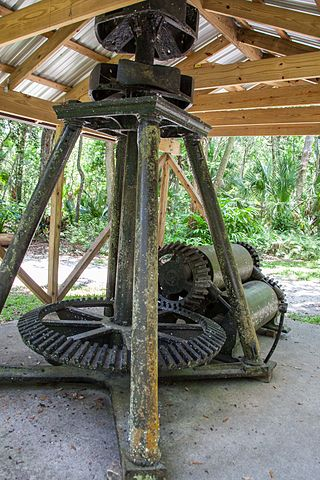 Mill machinery. Author: Rob Bixby – CC BY 2.0