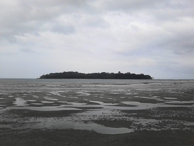 View of Ross Island from Port Blair. Author: Aliven Sarkar – CC BY-SA 3.0