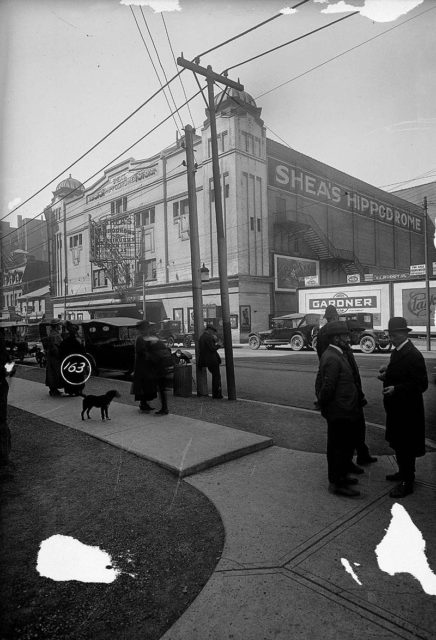 Shea's Hippodrome (opened 1907, demolished March 1957 to make way for the new City Hall). Author. James Salmon. Public Domain