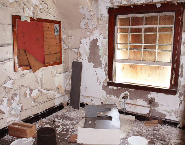 A boarded up room. Author: Matthew Hester CC BY-ND 2.0