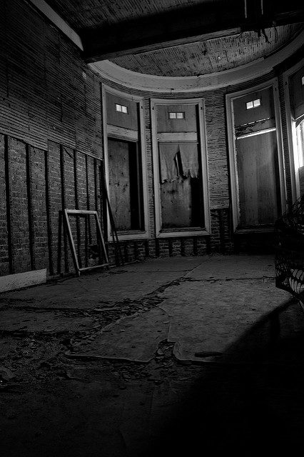 Abandoned corner room. Author: Kevin CortopassiCC BY-ND 2.0