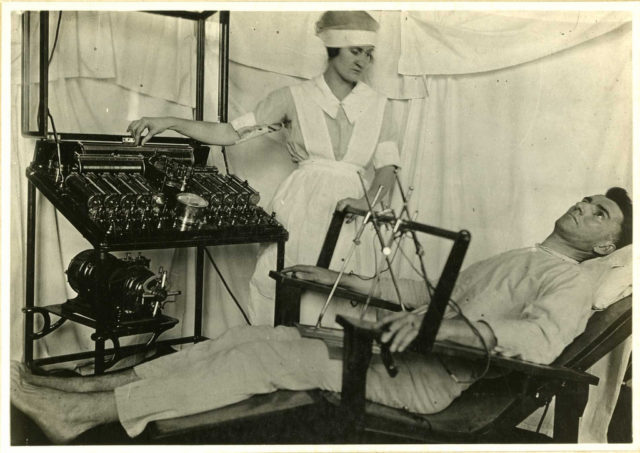 An example of general electric treatment. Author: Otis Historical Archives National Museum of Health and Medicine CC BY 2.0
