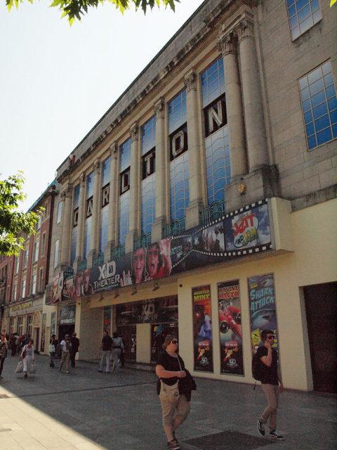 Carlton Cinema, Dublin in 2014. Author: Smirkybec. CC BY-SA 3.0