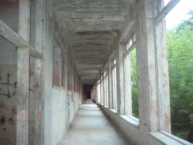 Eerie long corridor.Author:HigroskopijnyPublic Domain
